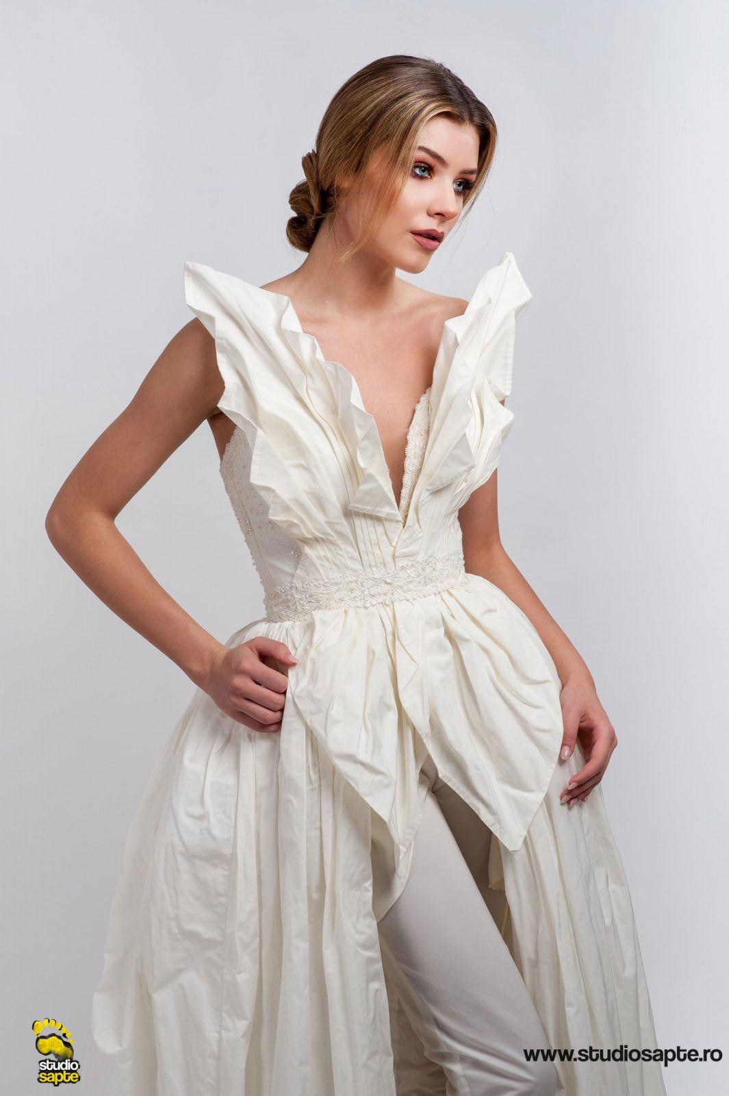 Rochie Mireasa Deosebita | Studio Foto | Moda