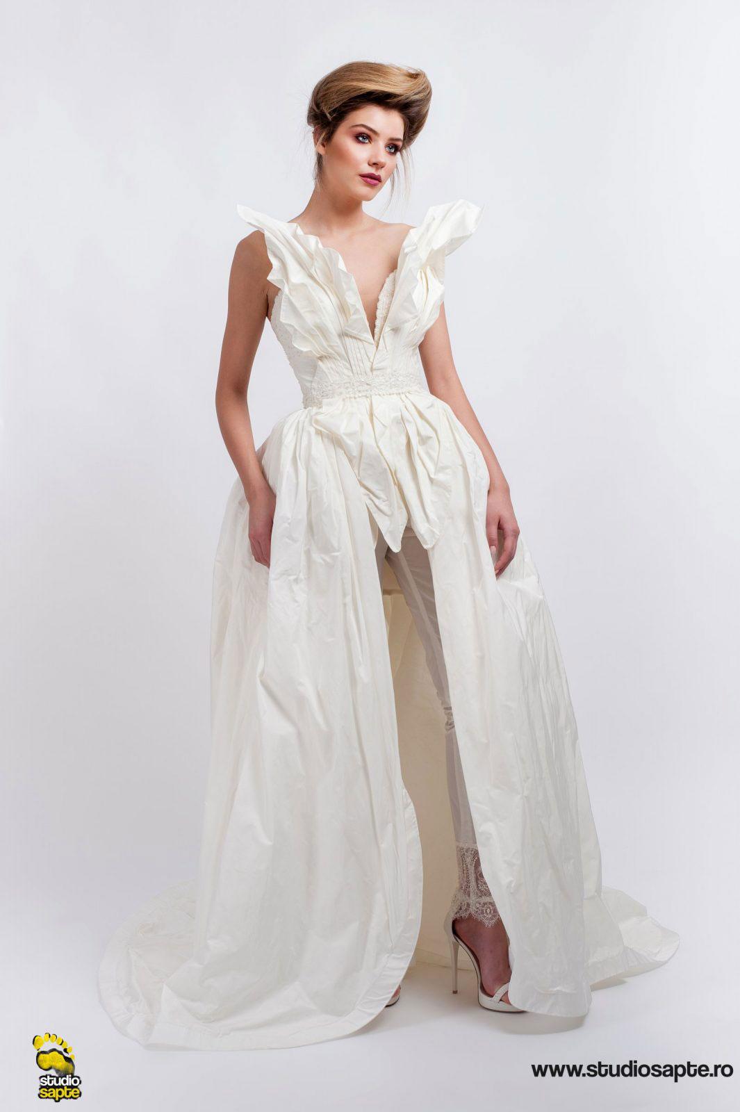 Rochie Mireasa cu Pantaloni | Moda | Fotograf | Studio Foto | Christina Andrei